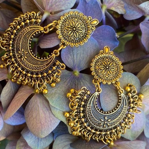 Beautiful Chandelier Mandala Earrings